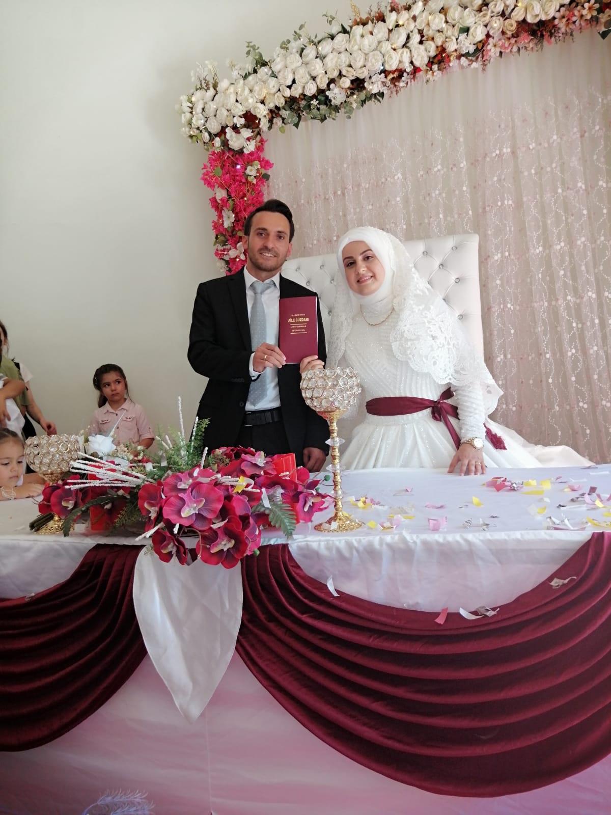 Şerife Çevik ile Rasim Akyol evlendiler