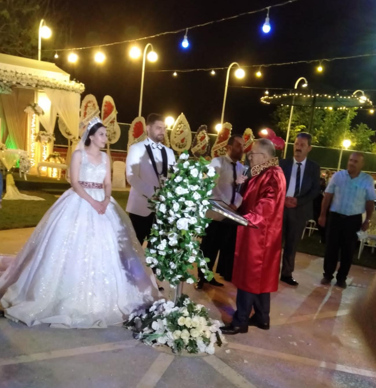 Emre Alıcıgüzel ile Gülsüm Parlakkkaya evlendiler